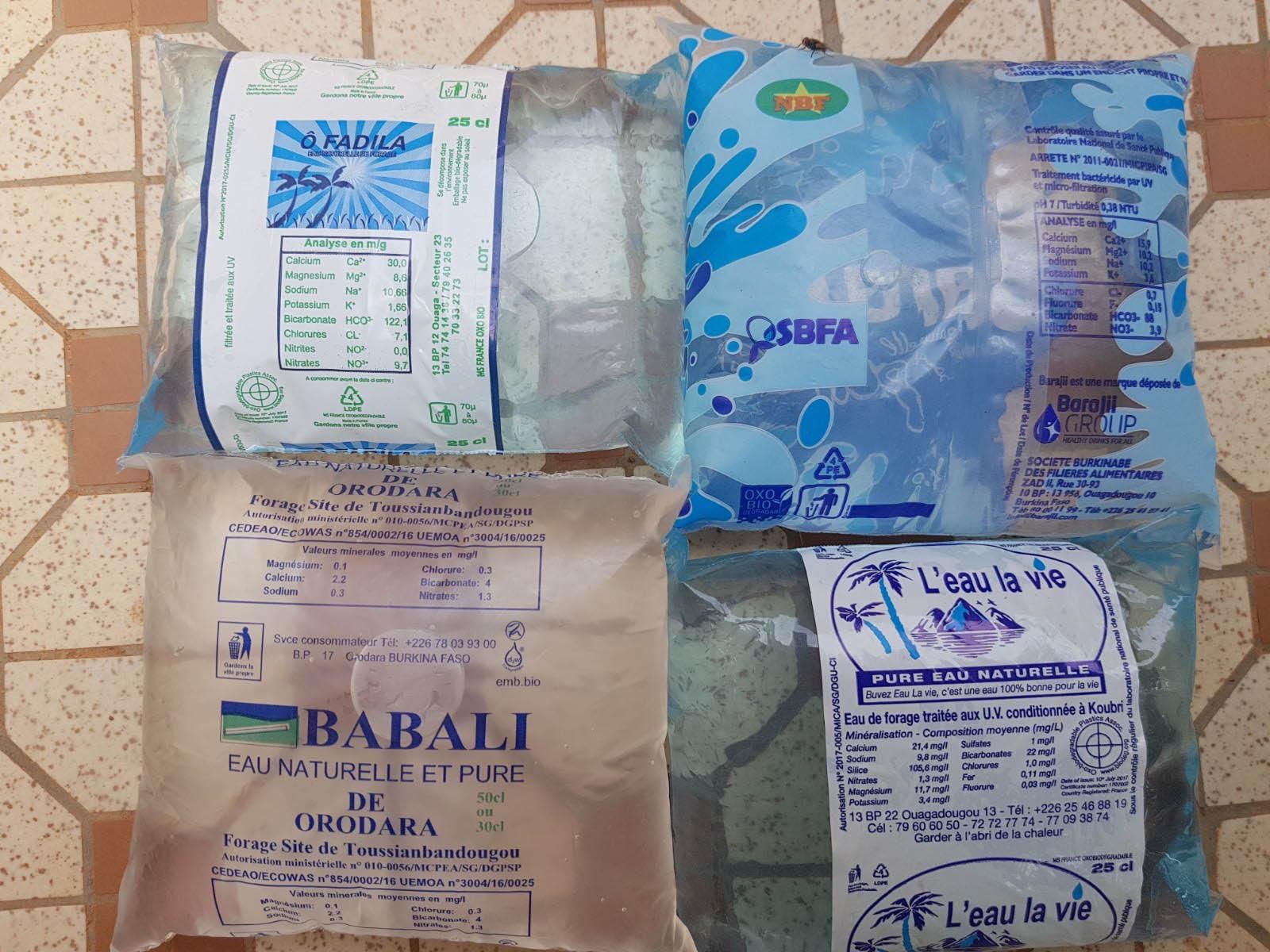 Les différents eaux en sachets au Burkina-Faso