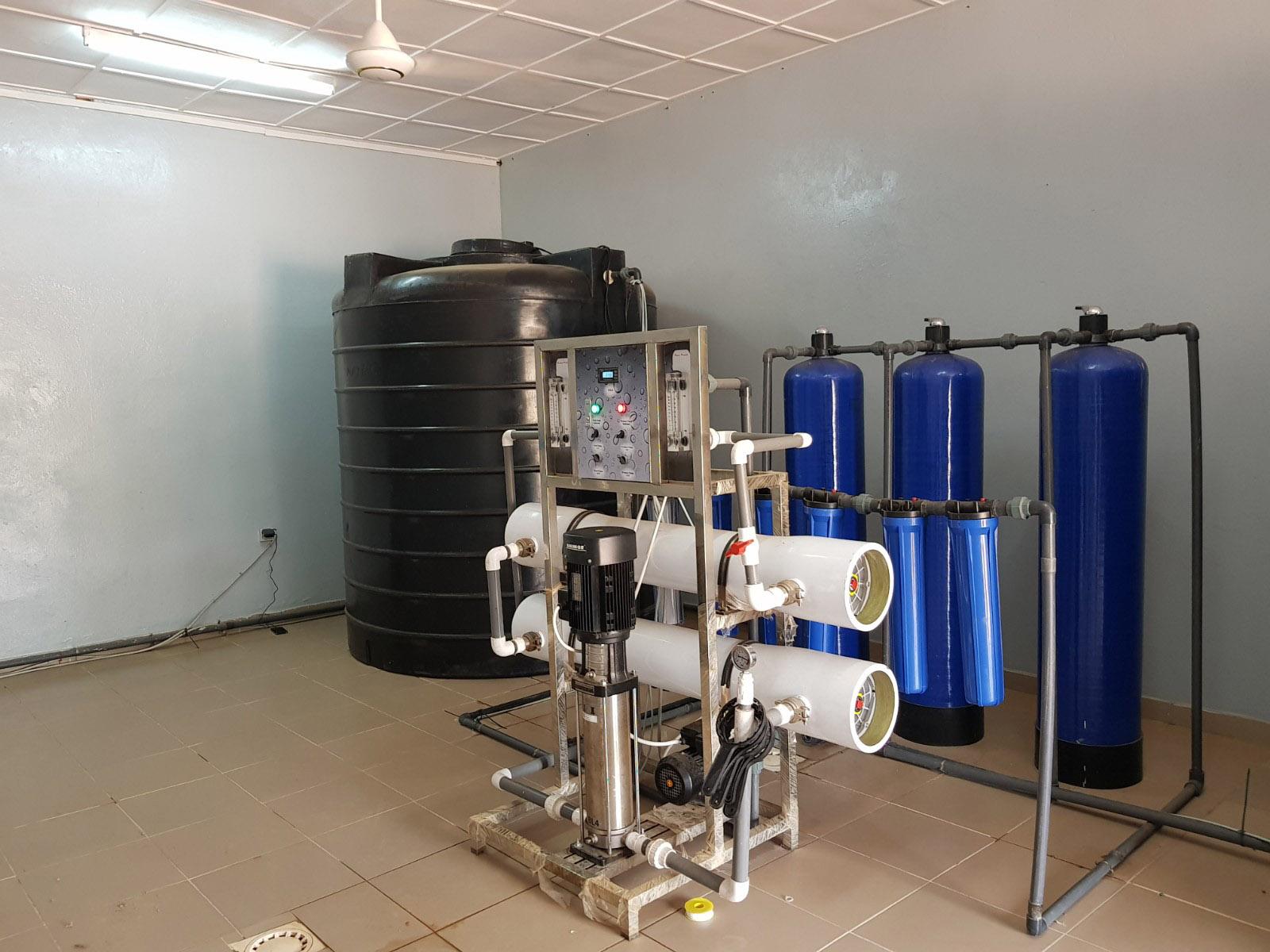 Produire de l'eau pure en sachet ou bouteille eau osmosée afrique